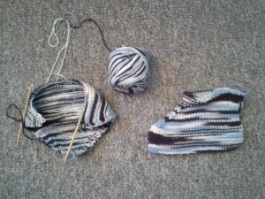 The little-seen Matching Dishcloth and Slipper set.